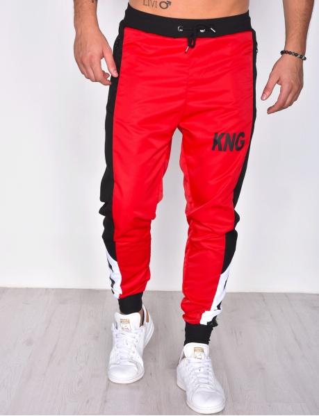 Jogginghose, rot und weiß