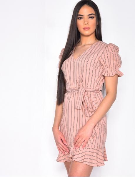 Gestreiftes Kleid mit Volants, zum Binden
