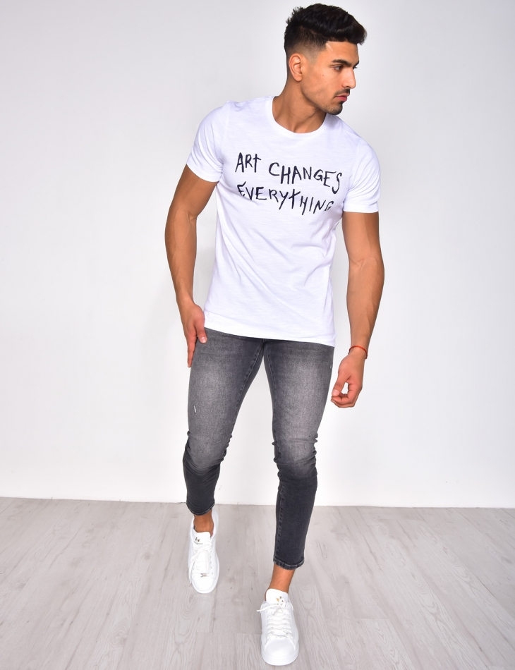 """T-shirt """"ART CHANGES EVERYTHING"""""""