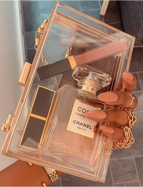 Kleine durchsichtige Tasche mit goldenen Bordüren
