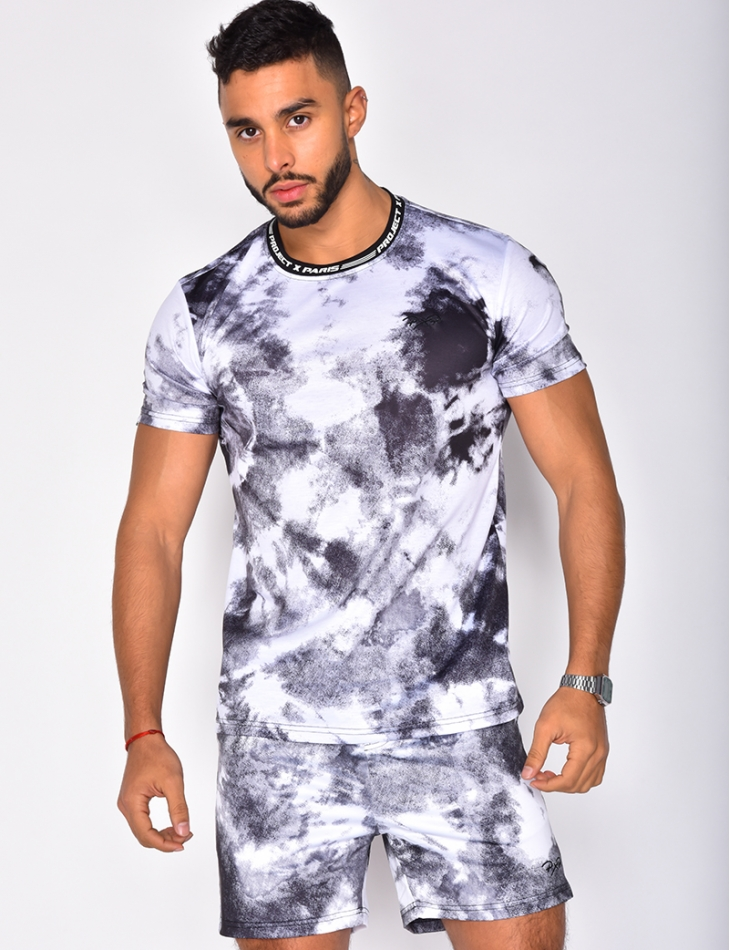 T-shirt with Tie Dye Pattern