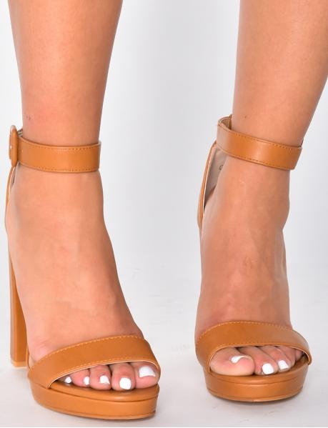 Sandales à talons minimaliste