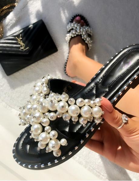 Sandales plates à perles