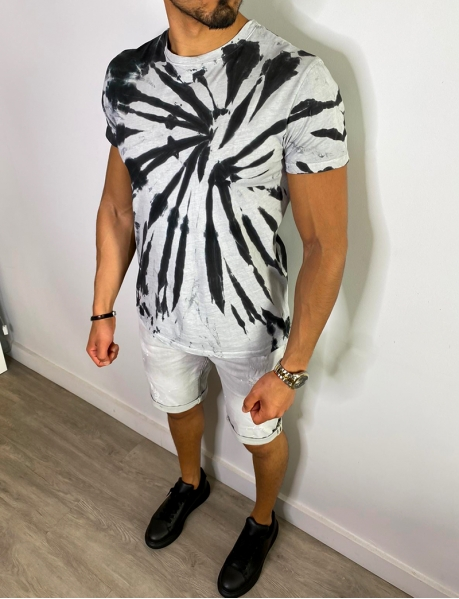 T-Shirt mit Farbflecken