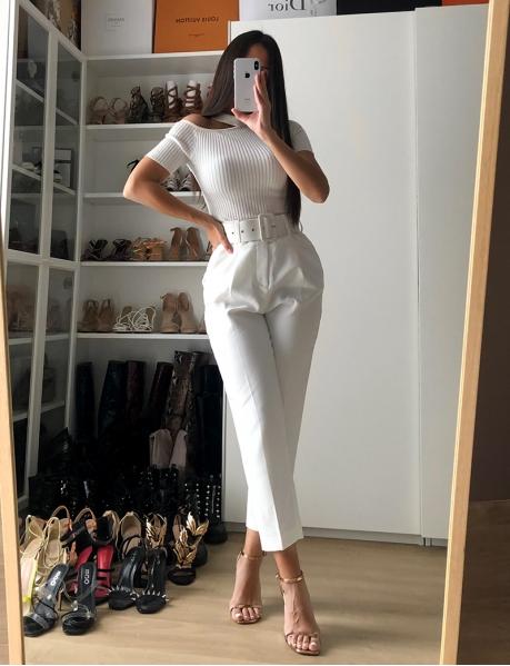 Kostümhose mit Gürtel