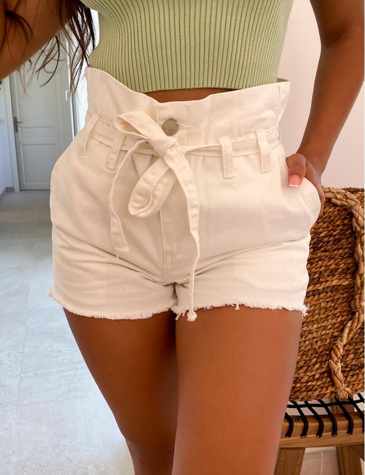Short en jeans taille haute à nouer