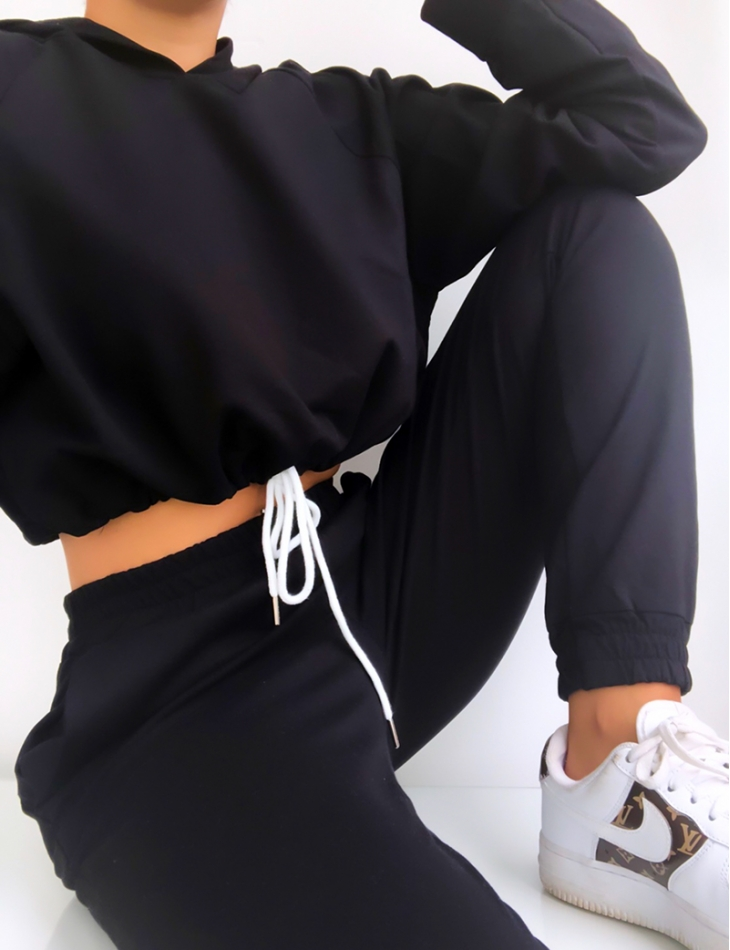 Ensemble crop-top et jogging