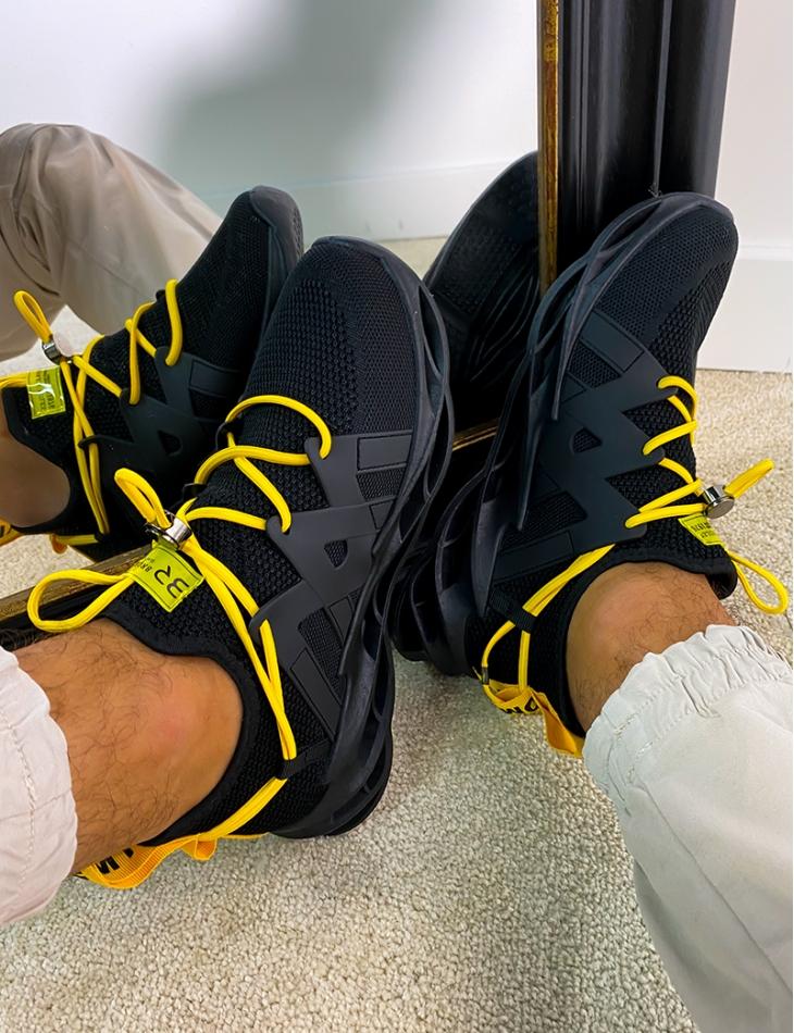Baskets en tissu à lacets jaune