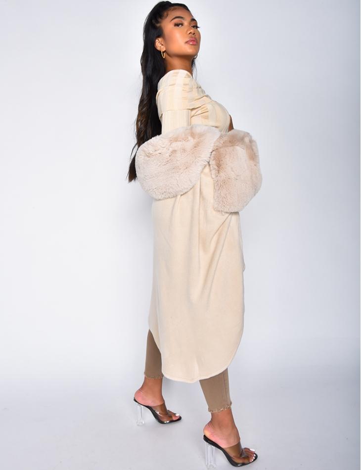 Manteau à fausse fourrure