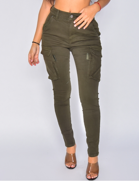 Cargo-Jeans mit hoher Taille