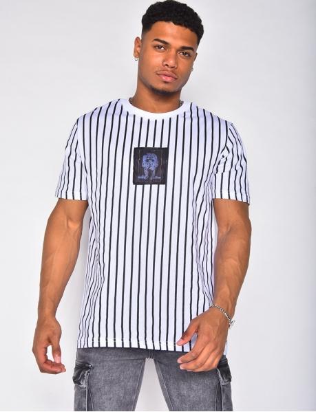 T-shirt à rayures et patchs