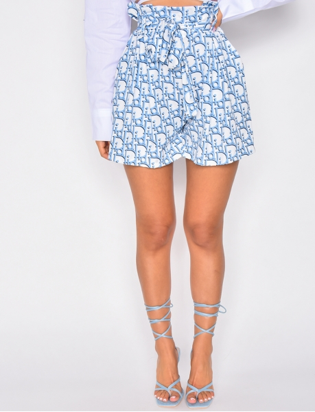 Tie shorts with lettering