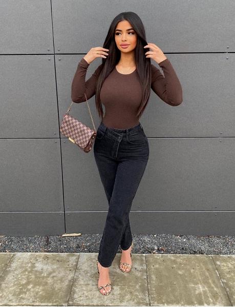 Jeans coupe droite effet croisé à l'avant