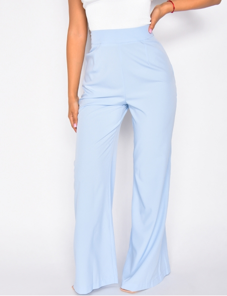 - Loose flared trousers