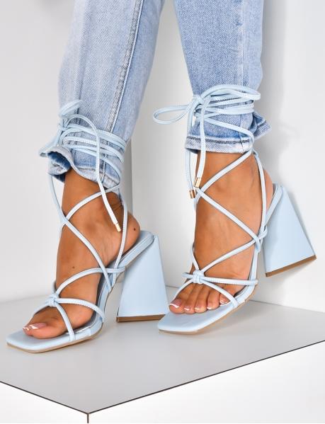 Sandales lacées à talons destructurées