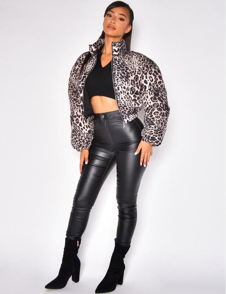 Doudoune courte à motif léopard