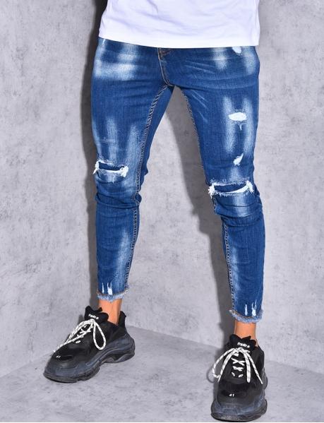 Jeans destroy effilochés aux chevilles